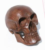 Crâne en bois