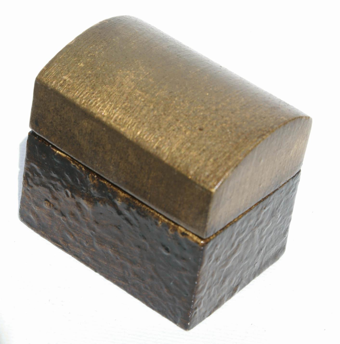 petite bo te en bois artisanat de l 39 equateur. Black Bedroom Furniture Sets. Home Design Ideas