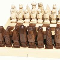 Schackspelset i trä