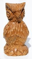 Búho de madera