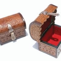 Las cajas de madera de cuero