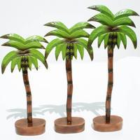 Trois palmiers de bois