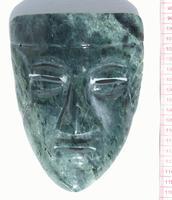 Masque de pierre de jade