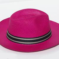 Chapeau de paille rose toquilla