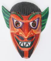 Masque en bois diable
