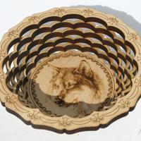 Placa redonda con la imagen del lobo