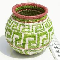 Green toquilla straw basket